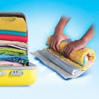 Las nuevas Bolzip® Compressor para viajes son ideales para guardar ropa y optimizar el espacio dentro de valijas, bolsos y mochilas. Su exclusivo Sistema Enrollable permite comprimir el contenido simplemente enrollando la bolsa, sin necesidad de usar una aspiradora. ¡Con Bolzip® Compressor para viajes ahorrás hasta un 75% de espacio triplicando tu capacidad de almacenamiento! Es una manera fácil y eficiente para reducir el volumen ocupado y proteger herméticamente las prendas de la humedad, insectos, olores, polvo y moho. Las bolsas Bolzip® Compressor son reutilizables y perfectas para organizar el equipaje de una manera más eficiente.